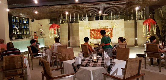 The Bale: Sate night in Faces restaurant