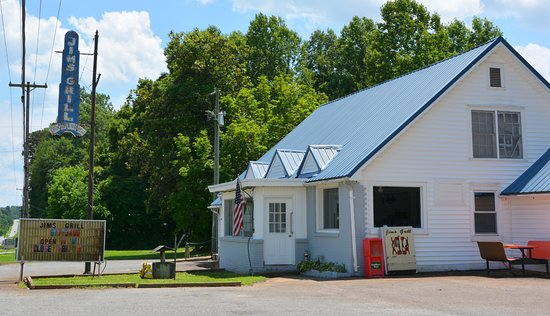Yadkinville, Северная Каролина: Old Style
