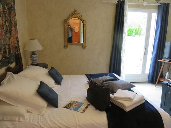 La Barde Montfort: Our lovely and quiet room