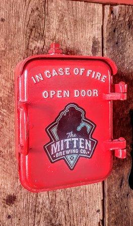 Mitten Brewing Company照片