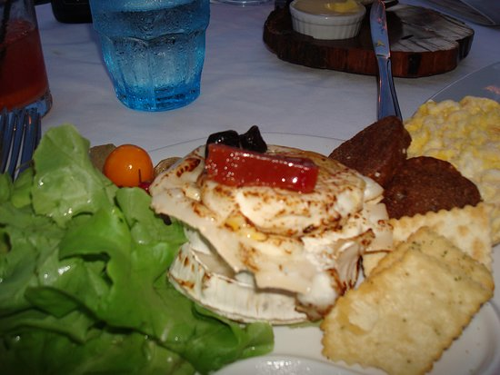 Papiamento: Goat Cheese Salad with Crisps