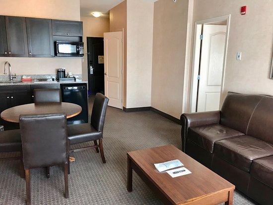 Cranbrook, Canada: Spacious 1 bedroom suite