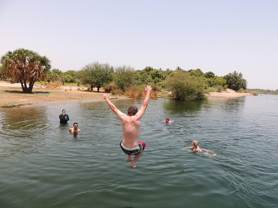 On The Go Tours: Cooling off in the Nile!