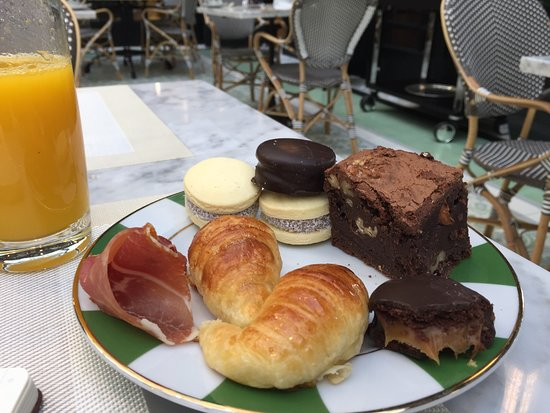 Alvear Icon Hotel: breakfast