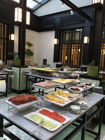 Alvear Icon Hotel: breakfast!