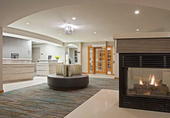 Residence Inn Pittsburgh Airport Coraopolis: Lobby