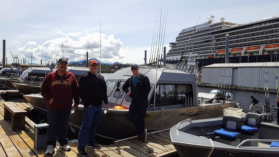 Baranof Fishing Excursions: 3 of our fishing party and the fishing boat