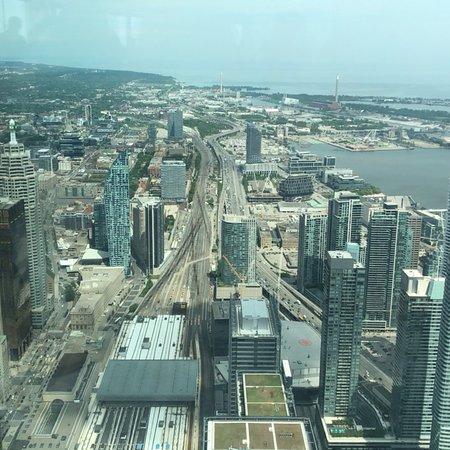 加拿大国家电视塔照片