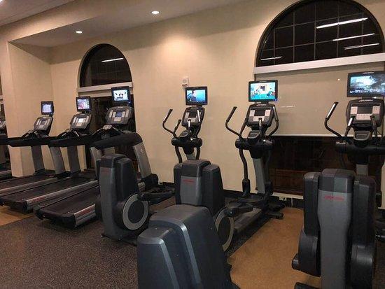Minneapolis Marriott Northwest: 24 hour gym