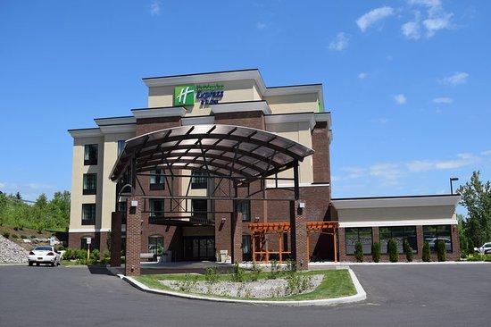 Holiday inn express hotels geneva finger lakes 96 for Design hotel 16 geneva