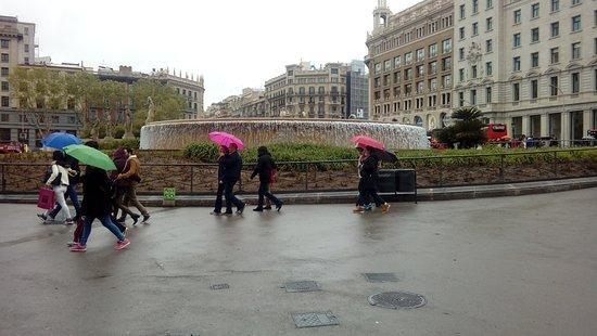 Plaza de Cataluna: Barcelona