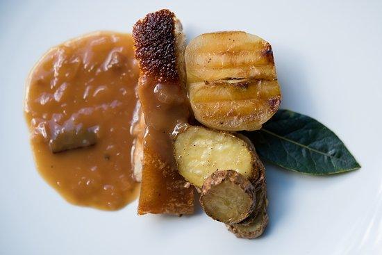 The Loch Tasting Room: Crispy suckling pig spit, roasted caramelised apple and lemon thyme kipflers