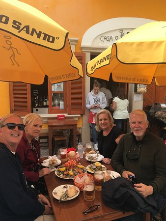 Casa Osanto Anibal Portugal Galvao: Good clams, good friends and cold beer!!!!!!!!