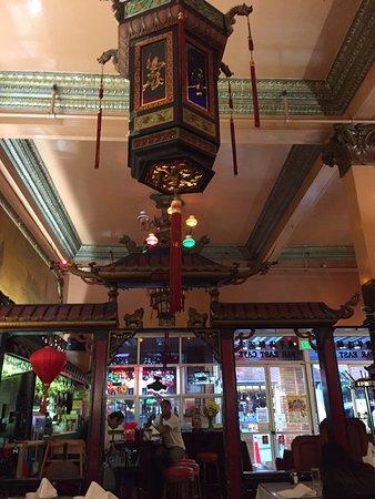 Far East Cafe: Bar area