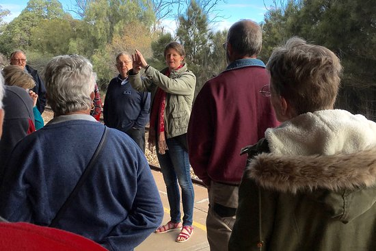Port Augusta, Австралия: Lisa, your Destination Town guide, telling a tale or two!