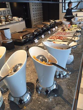 Hilton Osaka: Breakfast offerings in the Executive Lounge