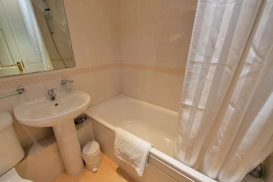 Kingsway Hotel Cleethorpes: Bathroom