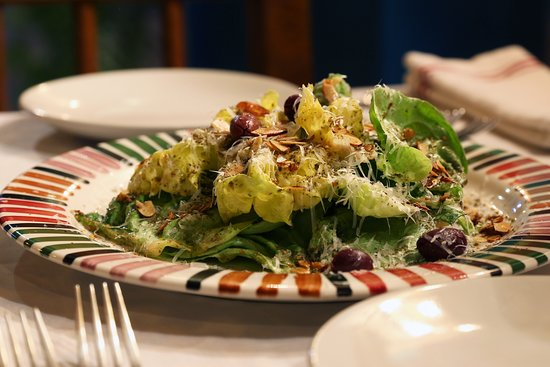 Zatar: Butter Lettuce Salad - Produce sources from organic farmers