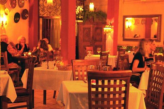 Zatar: dining room