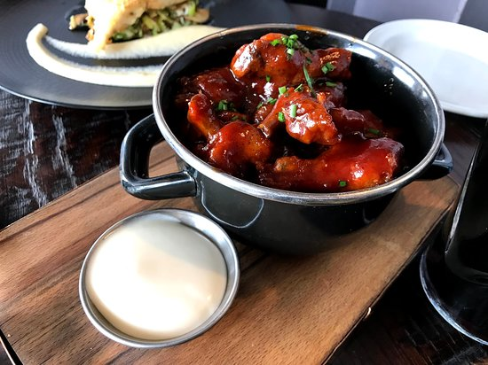 The Brewer's Dining Hall - Guinness Storehouse: Sticky Guinness Chicken Wings