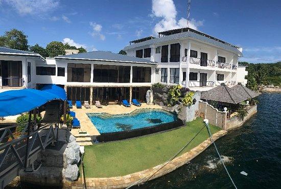 Colonia, Federalne Stany Mikronezji: Photo 5-5-2018, 8 02 14 AM_large.jpg