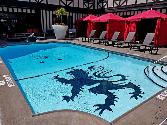 The Cheshire : Pool area.