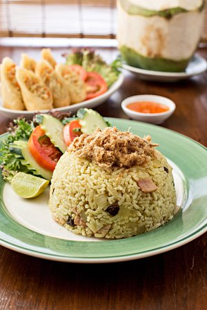 Cafe de ThaanAoan : Thai food served all day, everything made by order.