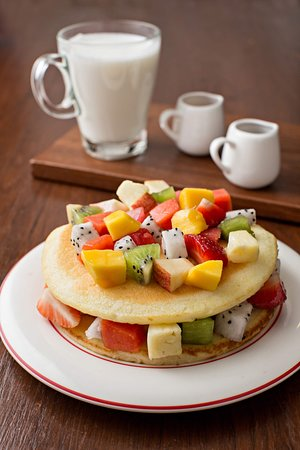 Cafe de ThaanAoan : Fresh fruit pancake serveed all day.