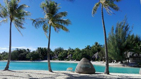 Le Meridien Bora Bora Photo