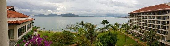 Shangri-La's Tanjung Aru Resort & Spa: View from the Kinabalu Club