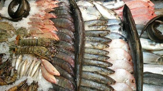 Wyndham Garden Ajman Corniche: Ресторан с морепродуктами!