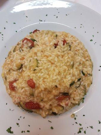 Vertova, Italy: risotto gamberetti e zucchine