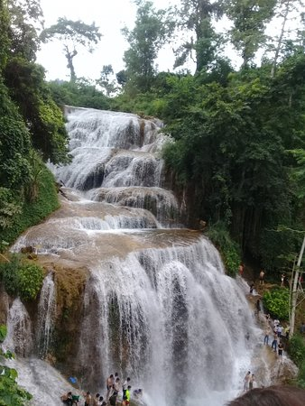 Hoa Binh, Vietnam: Mu waterfall