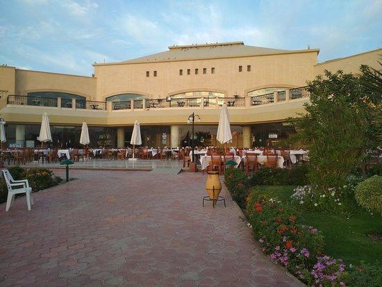 Three Corners Fayrouz Plaza Beach Resort: la spiaggia relax all'alba