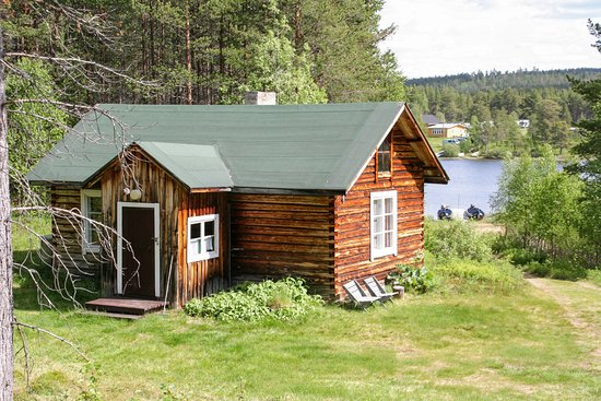 "Paltto Elämysretket: Original lappish log cabin for rent ""Lapinpirtti"""