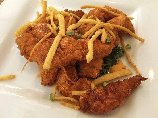 Crownsville Hot Chicken appetizer (chicken tenders, local honey, Siracha, wontons, scallions)