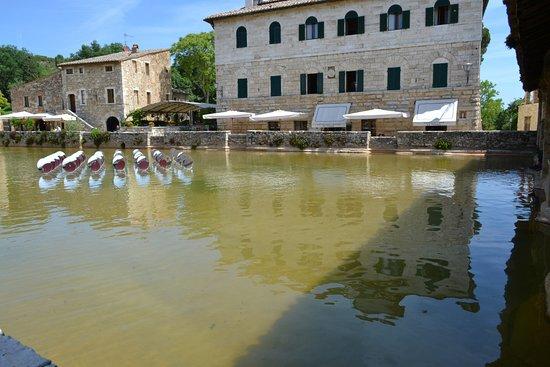 Bagno Vignoni - Picture of Terme Bagno Vignoni, Bagno Vignoni ...