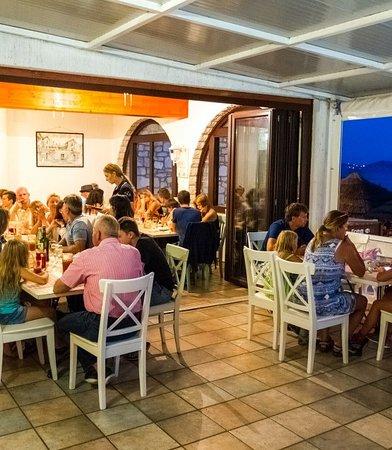 Pakostane, Chorwacja: Our restaurant terrace