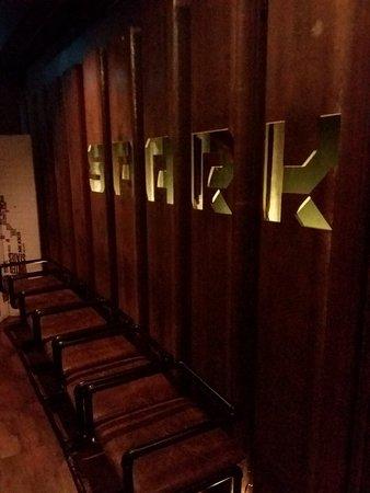 Spark Bar & Restaurant照片