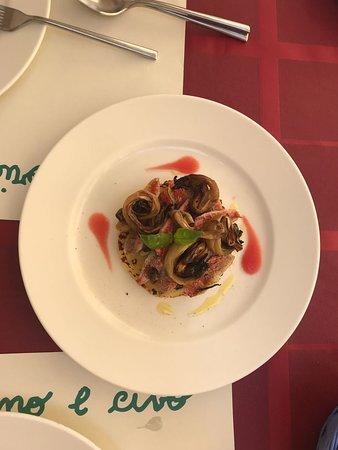 Trattoria Vino E Cibo: triglie sfilettate su tortino di patate