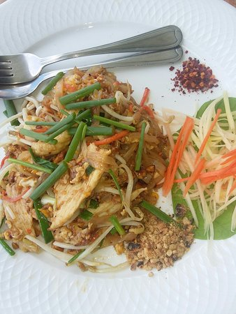 Blue Rice Restaurant by Apple & Noi: Pad thai e blu rice