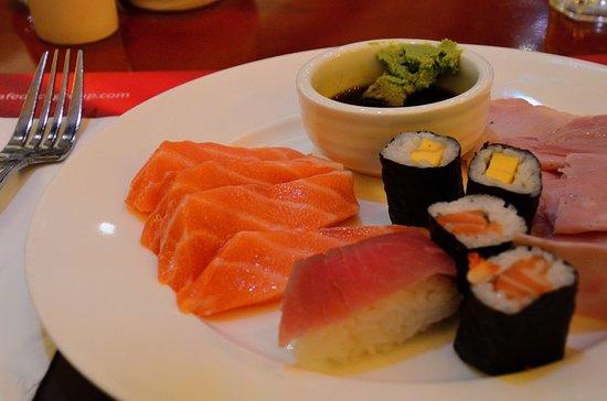 Cafe Deco: 生魚片冷盤組合