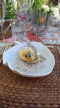 G.A. Manoir de Retival: huitre sur fond d'épinard et caviar