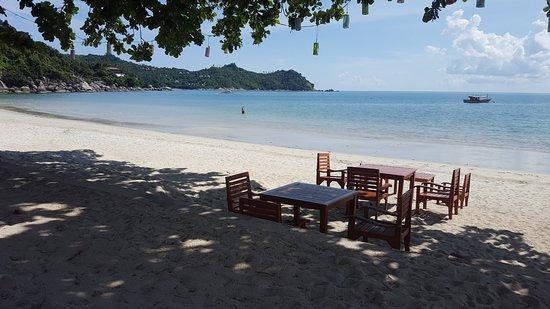 Pingchan Beach Resort: Yeah right on the beach