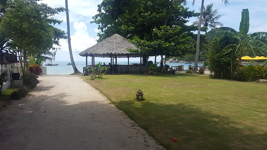Pingchan Beach Resort: As you enter the premises, lovely view