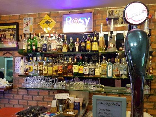 Rosy Guest House: Bartresen, angegliedert ans Restaurant