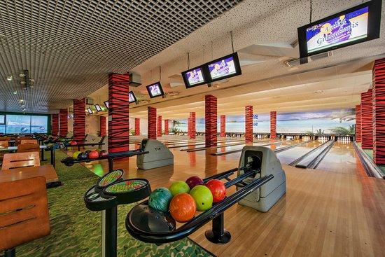 Amberton Hotel Klaipėda: HONOLULU bowling and sports bar
