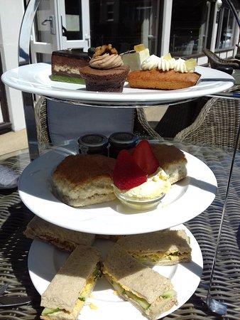 Bay Savoy Hotel: cream tea