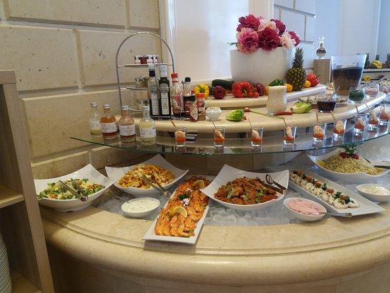 Loui Bar & Restaurant Picture