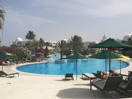 Djerba Plaza Hotel & Spa: Piscine extérieure